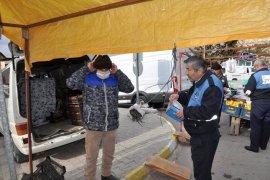 Ermenek Belediyesi Pazarcı Esnafına Maske Dağıtıldı