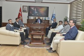 Rektör Akgül, Yemenli Misafirlerini Ağırladı