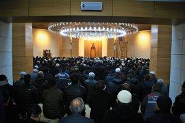 Yesevi Cami Cuma Namazı İle Birlikte İbadete Açıldı