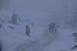Taşeli bölgesinde yoğun kar yağışı hayatı olumsuz etkiliyor.