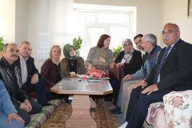Ak Parti Kadın Kollarından Anlamlı Ziyaret