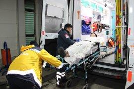Kavgada bıçaklanan Afganistanlı genç ağır yaralandı