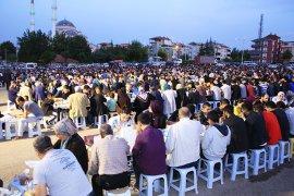 Binlerce Vatandaş Hep Birlikte İftar Açtı