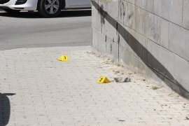 Karaman'da bir kişi sokak ortasında silahla saldırıya uğrayarak yaralandı