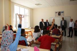 Milletvekili Şeker ve  Belediye Başkanı Çalışkan Okulları Ziyaret Etti