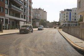 Alişahane Mahallesi'nde  kaldırım ve asfalt çalışmalarına devam ediyor