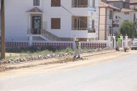 Larende Mahallesi'nde Altyapı Ve Üst Yapı Çalışmaları Devam Ediyor