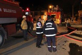 Yangına uykuda yakalanan ev sakinlerini vatandaşlar kurtardı
