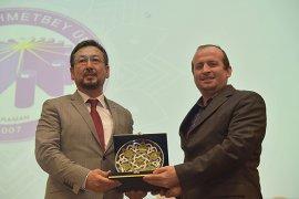 KMÜ'de Doğu Türkistan Adlı Konferans