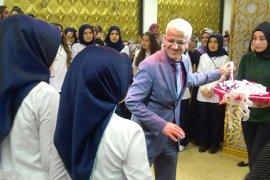 İbn - i Sina Mesleki ve Teknik Anadolu Lisesinde mezuniyet toreni yapildi