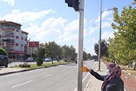 Trafiğin Yoğun Olduğu Bölgelere Trafik Lambası Uygulaması