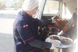 Belediyeden İhtiyaç Sahiplerine Her Gün İki Öğün Sıcak Yemek