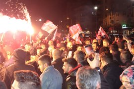 Karaman'da, Isparta valisi protesto edildi
