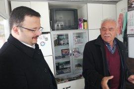 İYİ Parti'li Bayraç, Buğday Pazarı Esnafının Sorunlarını Dinledi