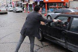 Karaman'da Hayırsever İmalatçı 20 Bin Adet Maske Dağıttı