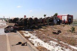 Karaman'da süt tankeri devrildi:1 ölü