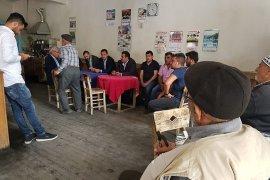 AK Parti Karaman Milletvekili Adayı Selman Oğuzhan Eser Ermenek'te köylülerle bir araya geldi.