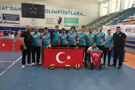 Oturarak Voleybol Takımları Türkiye'de Bir İlke İmza Attı