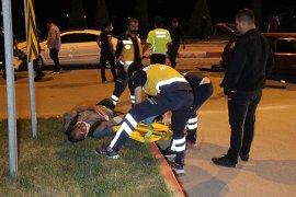 Karaman'da iki otomobil çarpıştı: 3 yaralı