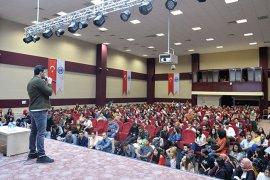 KMÜ, Popstar Bayhan'ı Ağırladı
