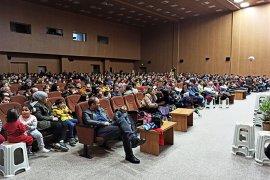Belediyenin Tiyatro Etkinliğinde Çocuklar Doyasıya Eğlendi