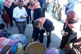Yeniden Refah Partisi Karaman teşkilatı aşure günü etkinliğine katıldı.