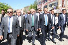'Türkçe aşkı, vatan aşkı' yürüyüşü düzenlendi