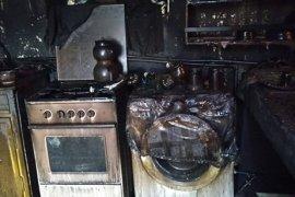 Evde çıkan yangın tüm eşyaları kül etti