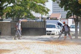 Belediye Okul Bahçelerinde Temizlik Ve Bakım Çalışması Yaptı