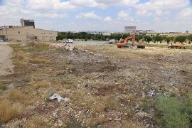 Belediye Kaçak Dökülen Hafriyat Atıklarını Temizledi