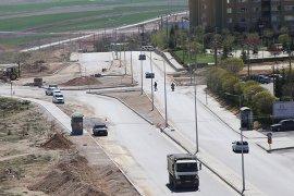 Elmaşehir Mahallesi'ne Dönel Kavşak Ve Bölünmüş Yol