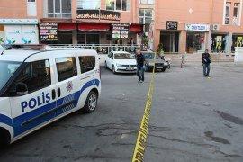 Yabancı uyruklu şahıs sokak ortasında vuruldu