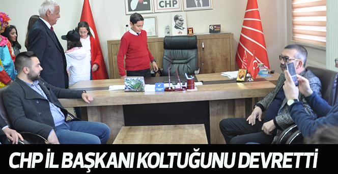 CHP İl Başkanı koltuğunu devretti