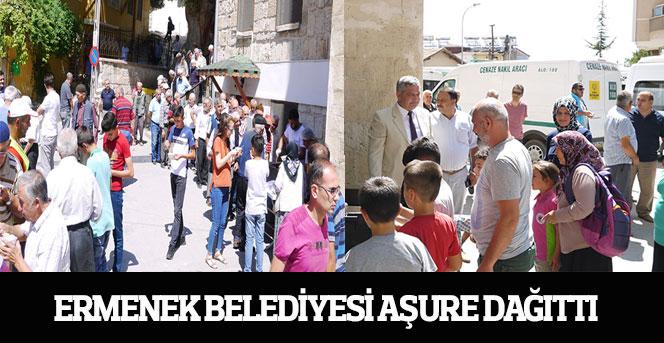 Ermenek Belediyesi Aşure Dağıttı