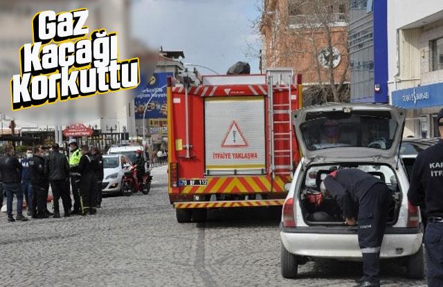 Karaman'da LPG'li otomobilde yaşanan gaz kaçağı paniğe neden oldu.