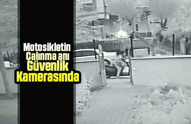 Motosikletin çalınma anı güvenlik kamerasında