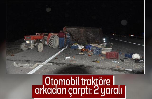 Otomobil Traktöre Arkadan Çarptı: 2 Yaralı