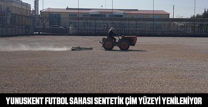 Yunuskent Futbol Sahası Sentetik Çim Yüzeyi Yenileniyor